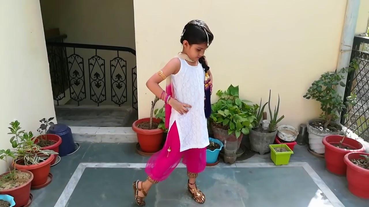 Download लॉन्ग लाची Sandli sandli Naina Vich Tera Naam Ve Mundeya