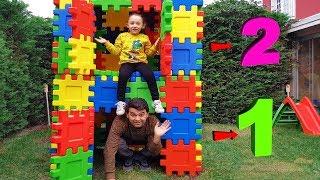 Öykü and Father makes 2 storey house building - Funny Oyuncak Avı