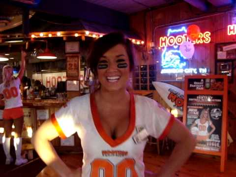 kitty-porn-hooters-girl-brittany-johnson-pictures-naked-men-hot