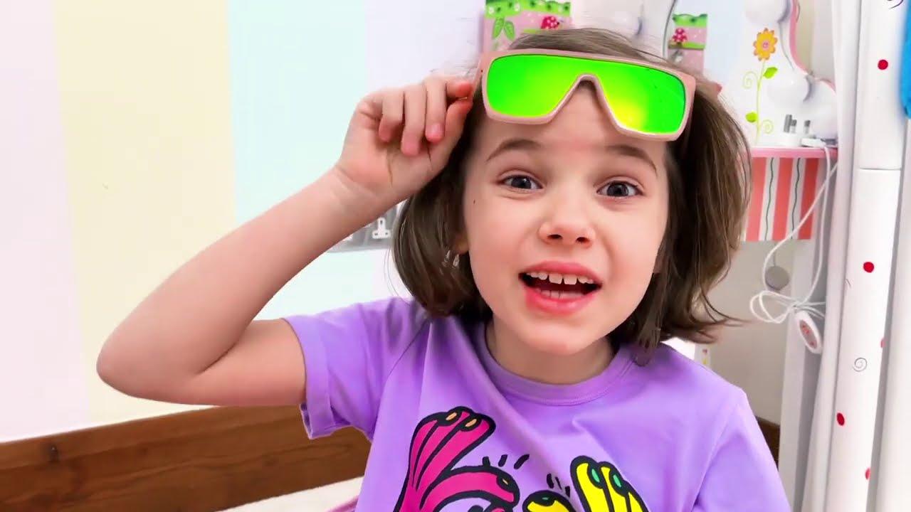 Макс и Катя хотят играть в одной машинке с тараканами