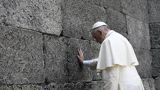 Pope Francis visits Auschwitz to pray for victims