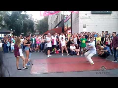 Видео: Танцевальные батлы Крещатика, Вечерний Киев часть 4 - Dance Battles Khreshchatyk, Kiev Evening part4
