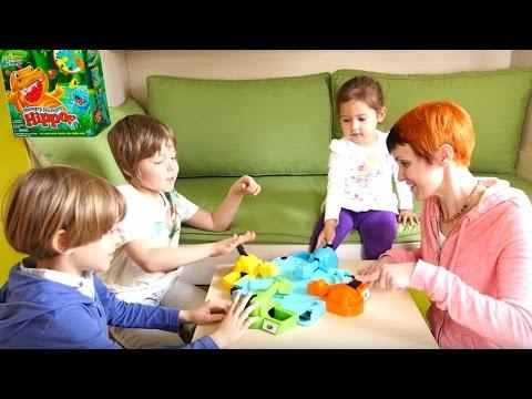 Игры для детей. Веселая Школа. Маша и дети играют в игру Голодные Бегемотики