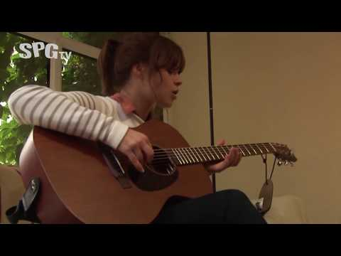 Gabrielle Aplin Student House Party (Part One) | SPGtv