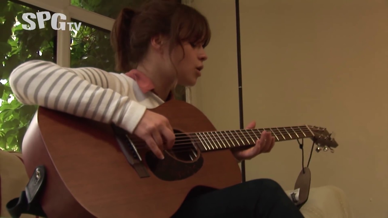 Student Pocket Guide - An Intimate House Gig with Gabrielle