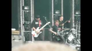 "Download 2012 - Billy Talent ""This Suffering"" Live"