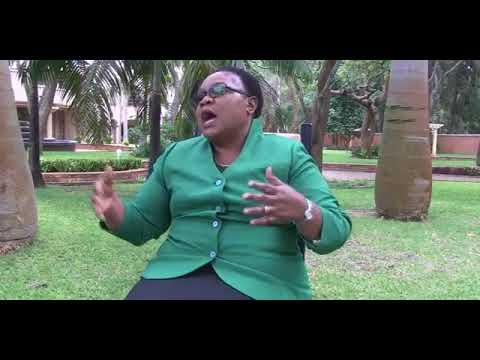 """""""Mugabe eploited illiteracy ministers from 1980 to country's doom"""" Mujuru"""