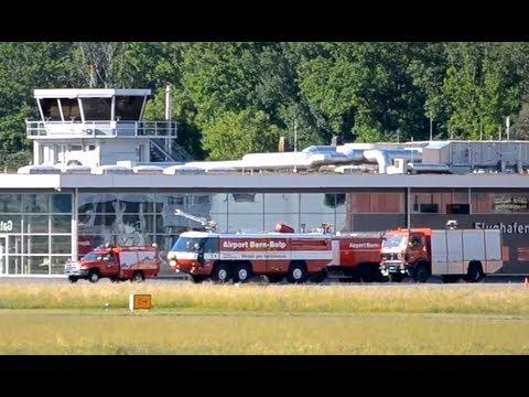 Problems with extending landing gear    Cessna 550B - Airport fire brigade HD