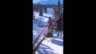 Video A little alpenhorn from Switzerland download MP3, 3GP, MP4, WEBM, AVI, FLV Februari 2018