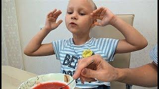 видео Бульон с клецками из ветчины