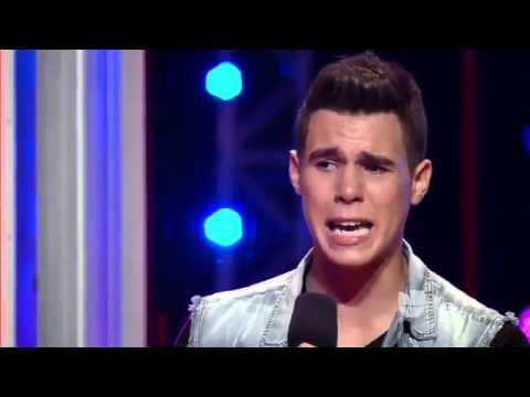 """La banda Zabdiel De Jesus sings """"Mientes"""" (Camila)"""
