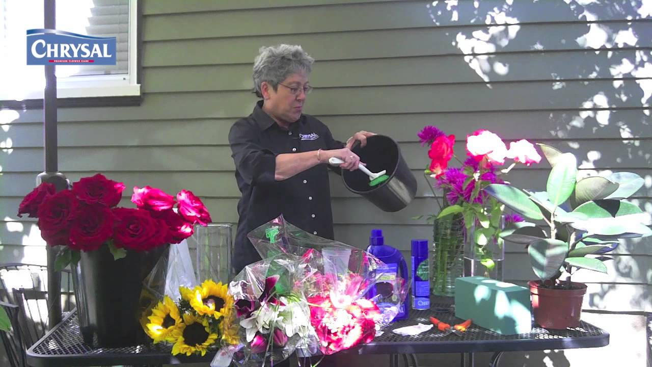 How To Clean Your Floral Buckets And Tools Youtube