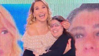 Barbara D'urso SFOTTE Follettina creation a pomeriggio 5,carognata vergognosa!