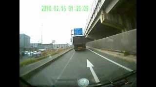 【ドライブレコーダー事故】悪質当て逃げトラック→追跡~捕獲まで thumbnail