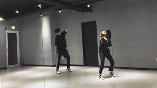 Скачать Weki Meki Yoojung Dances To Señorita Shawn Mendes Camila Cabello