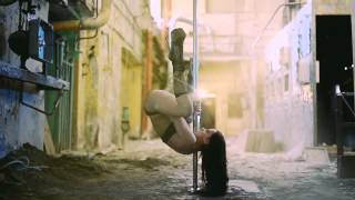 Eva Bembo - Exotic Pole-Dance