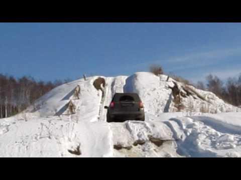 Land Rover Freelander 2 - snow hill up 2.MOV