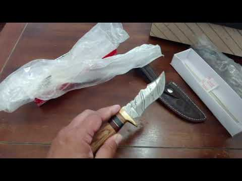 DAMASCUS STEEL HUNTING KNIFE 1
