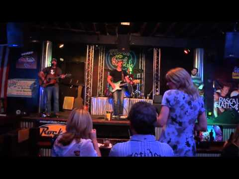 Live Music at Fiddle and Steel Guitar Bar in Nashville
