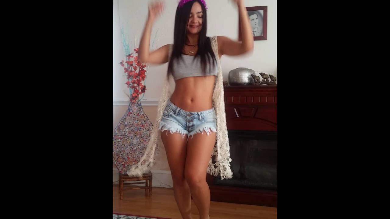 96794b915 SEXY GIRL DANCING TO ONE DANCE - YouTube