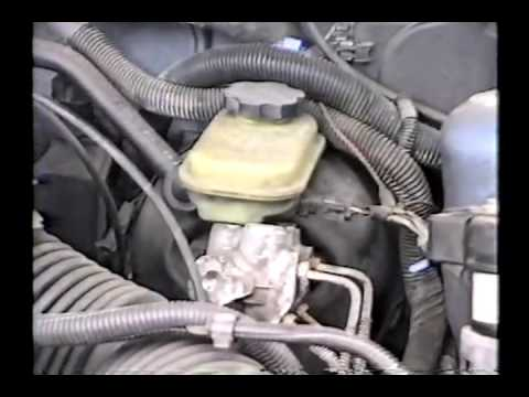 THROWBACK THURSDAY 12:  Checking Out An '89 Olds Cutlass Ciera PART 1