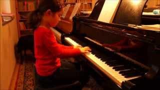 Sonja (6) spielt Haydn: Sonate in C-Dur Hob XVI:1, 1. Satz