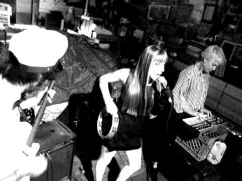 "BRVS - Dorian Electra ""Party Milk"" 02.02.13"