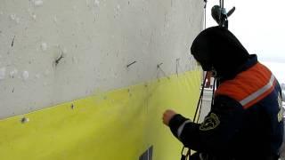 Монтаж баннера бригадой Альпмонтаж.(Экономичный способ монтажа баннера на гвозди., 2010-02-16T14:46:36.000Z)