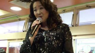 20120121 あべ静江さん みずいろの手紙 あべさんの代表曲ですね.