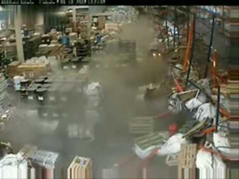 Accidente De Montacargas Youtube