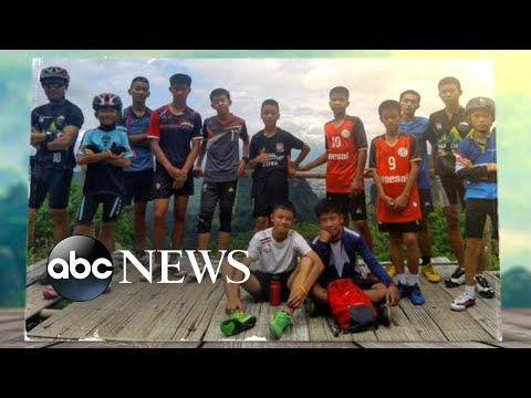 Divers successfully rescue 13 boys and soccer coach from Thailand cave