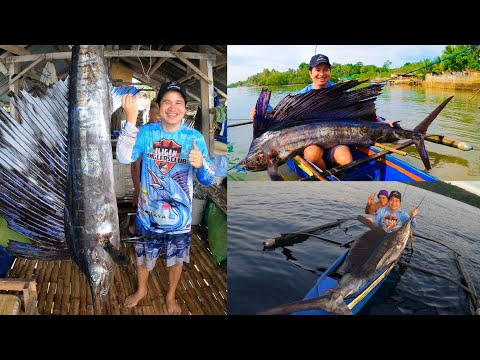 Pinoy Angler Caught A Big Sailfish Using Rod And Reel On A Small Philippine Made Wooden Banka Boat