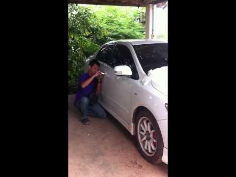 โตโยต้า อัลติส ลืมกุญแจไว้ในรถ เปิดแบบปราณีต โดย ช่างเหน่ง โทร.081-0510333 บริการ 24 ชั่วโมงครับ