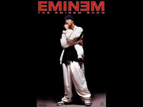 Eminem ft. Akon- Shake That [music video+download link]
