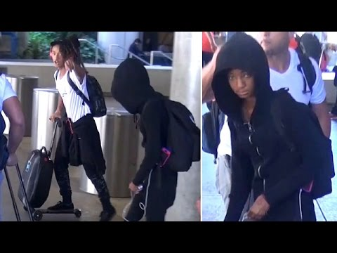 X17 EXCLUSIVE - Jaden And Willow Smith Arrive In L.A. Amid Latest Divorce Rumors