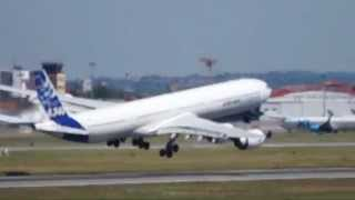Airbus A340-600 Dangerous And Scary Take-off
