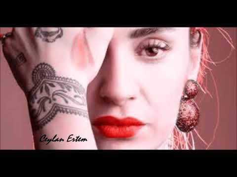 Ceylan Ertem - Bugünüm sensiz geçti
