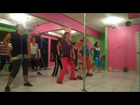 ZUMBA CON DENISE!!! merengue con regueton Videos De Viajes