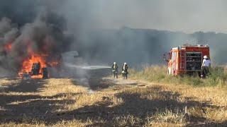Traktoren im Einsatz - Traktor brennt & Feuerwehr löscht Brand
