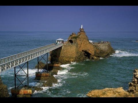 Resultado de imagen de rocher de la vierge biarritz photos