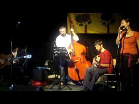 "Groovefest Spring 2009 - Ivan Pena Trio performs ""Lullaby of Birdland"""