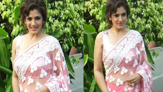 Repeat youtube video Raveena Tandon looking STUNNING in sleeveless blouse and transparent saree at an event function.