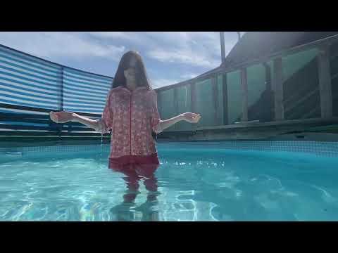 Wetlook imp model Vikky swims in pajamas😴