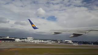 Takeoff from Seattle SEATAC Airport [4K]