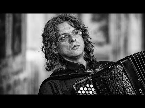 Cesare Chiacchiaretta - In nomine Terrae