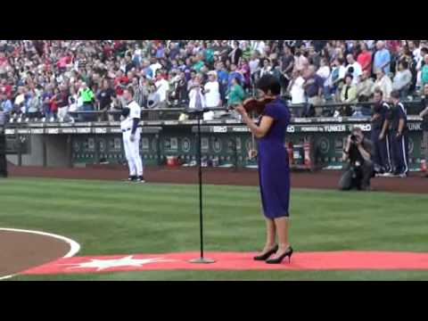 Anne Akiko Meyers Performs the National Anthem