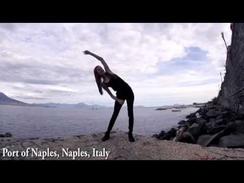 Girl Dances in 100 Places in Italy (TIMELAPSE)