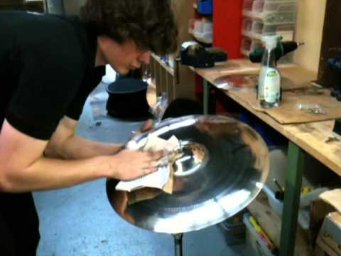 Download How to polish your cymbals to high-gloss!