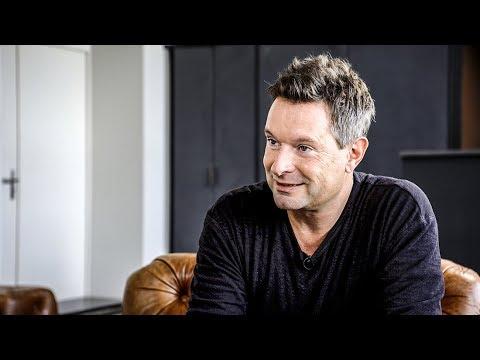 EPISODE #15: Thomas Sterchi (Serial Entrepreneur & Founder jobs.ch)