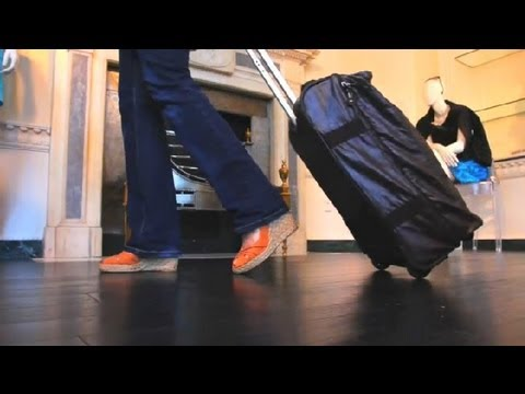 wheeled-vs.-spinner-luggage-:-travel-solutions